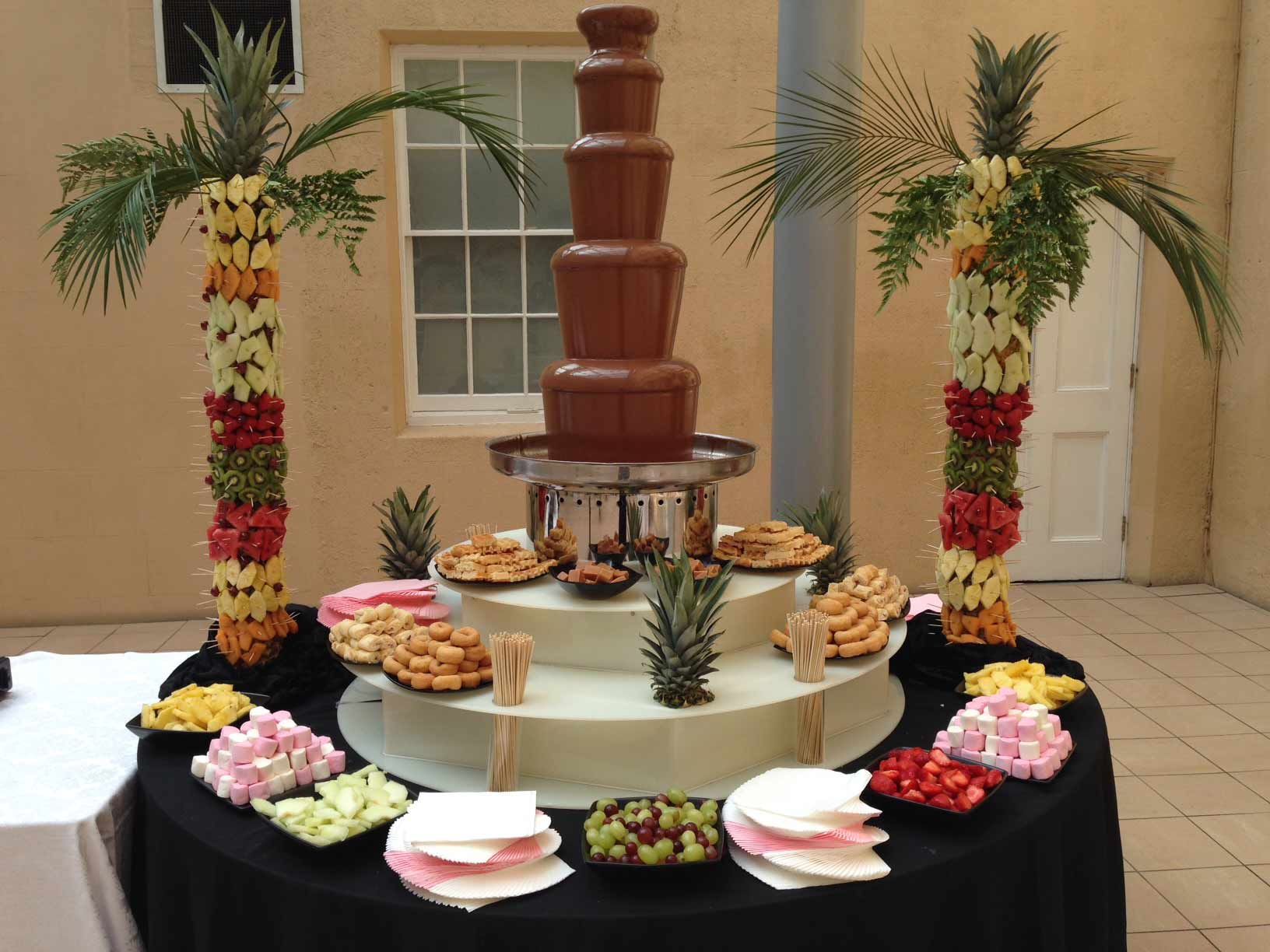Chocolate-fountain-with-fruit-trees